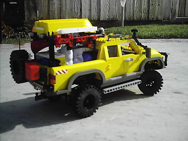 4404_off_road_expedtion_vehicle_005.jpg