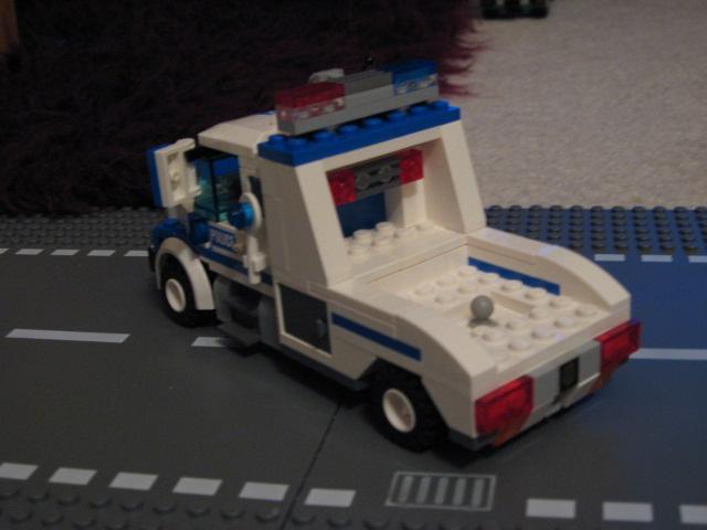 custom_mobile_command_unit_007.jpg