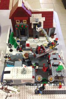 2012 Christmas MOCs Mb1