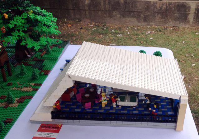 Hummingbird House in LEGO Bricks Img_2940