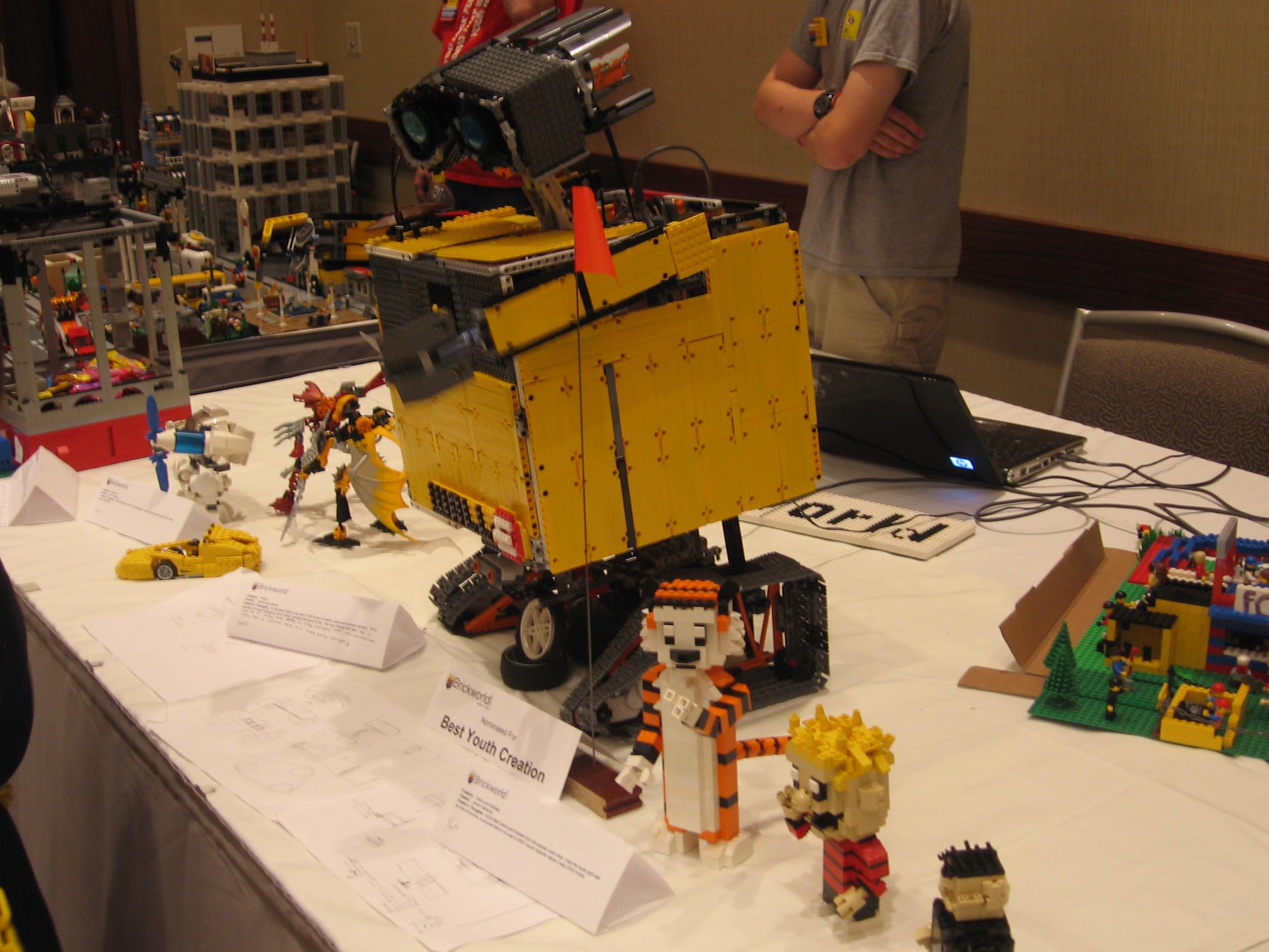 Brick World 2010 Calvin__hobbes__and_wall-e