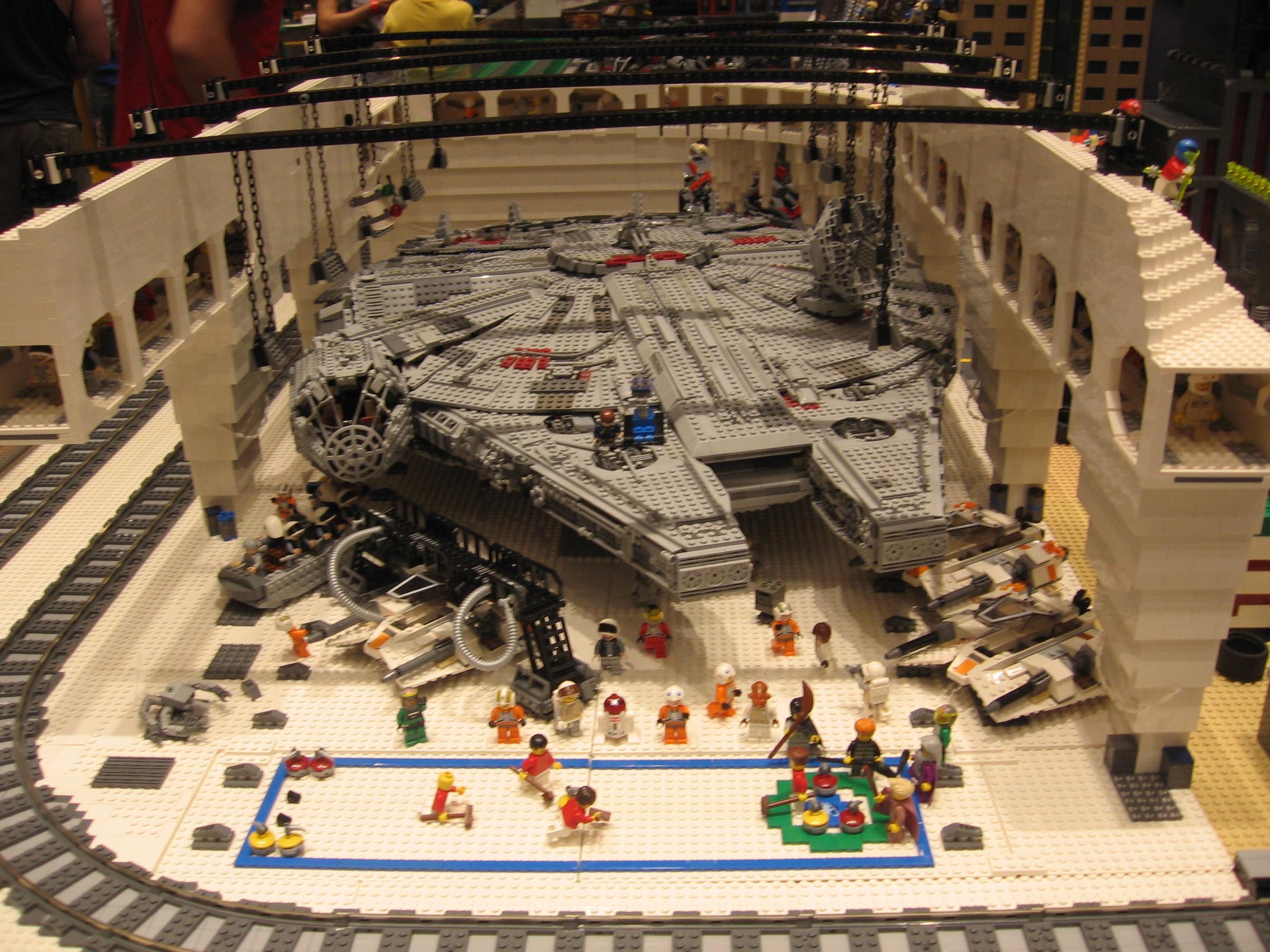 Brick World 2010 Echo_base