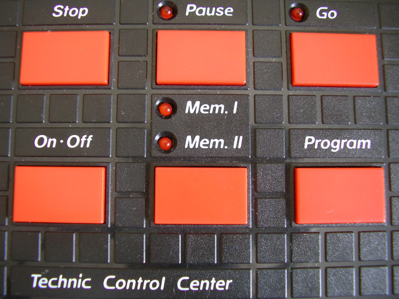 Control Centre buttons. From top to bottom, left to right: Stop, Pause, Go, On-Off, Mem, Program