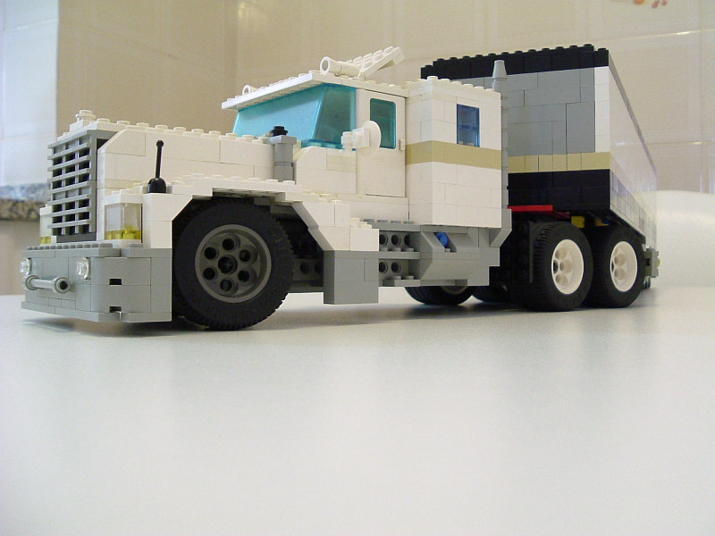bigtruck06.jpg