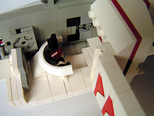 11-cockpit-no-minifig.jpg