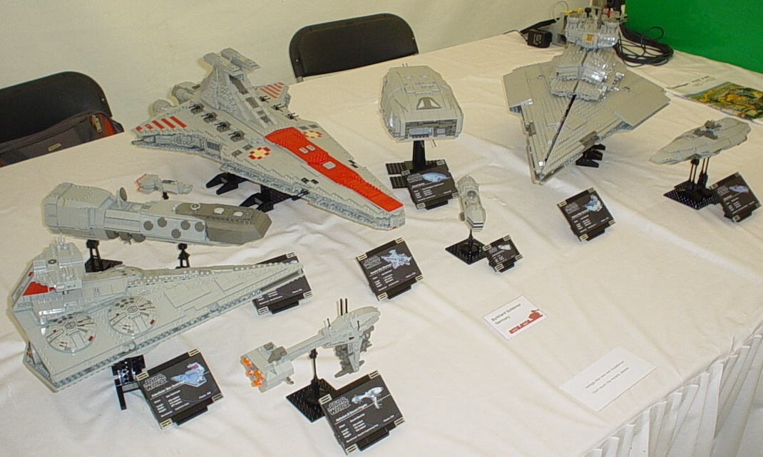 BrickCommander displayed a fleet of Star Wars ships.