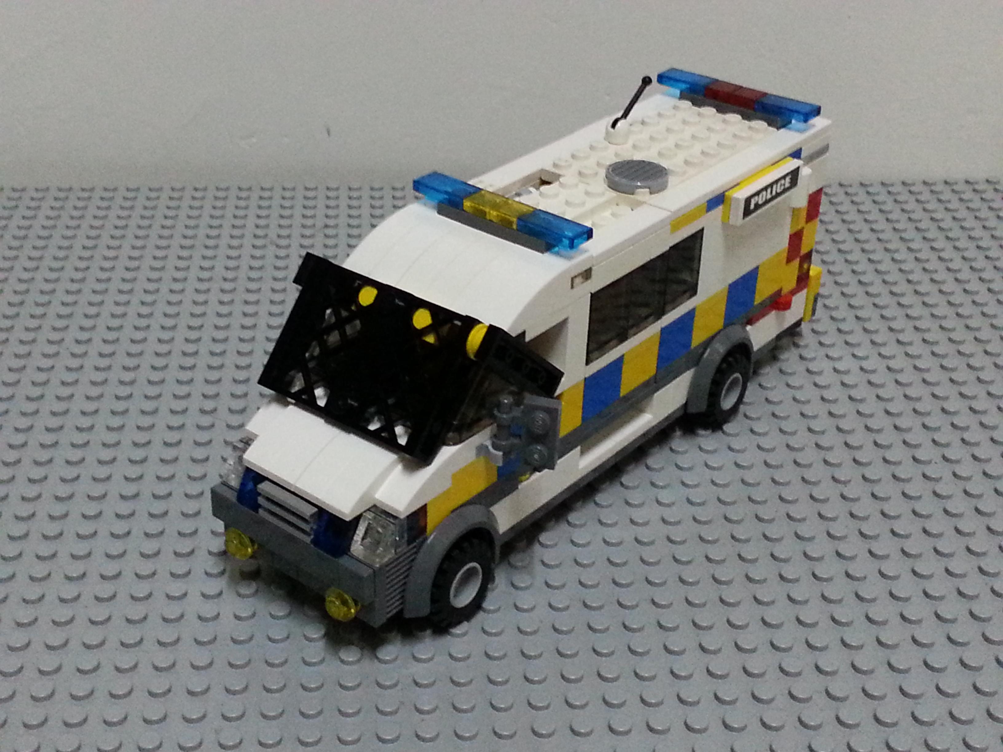 Uk Police Van City Of Bath Lego Town Eurobricks Forums