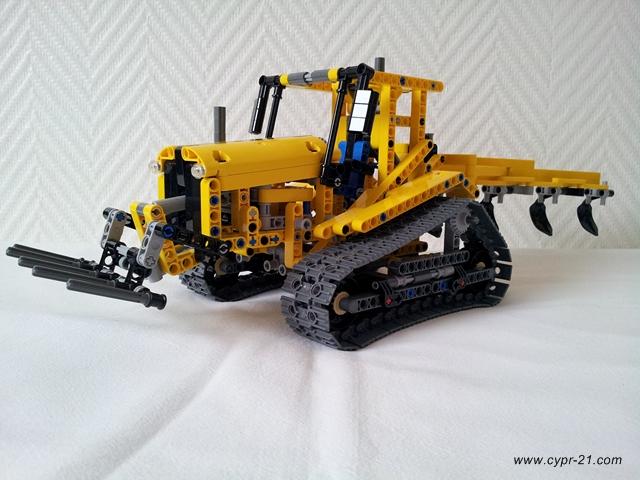 review tracteur sur chenilles 42006 b. Black Bedroom Furniture Sets. Home Design Ideas