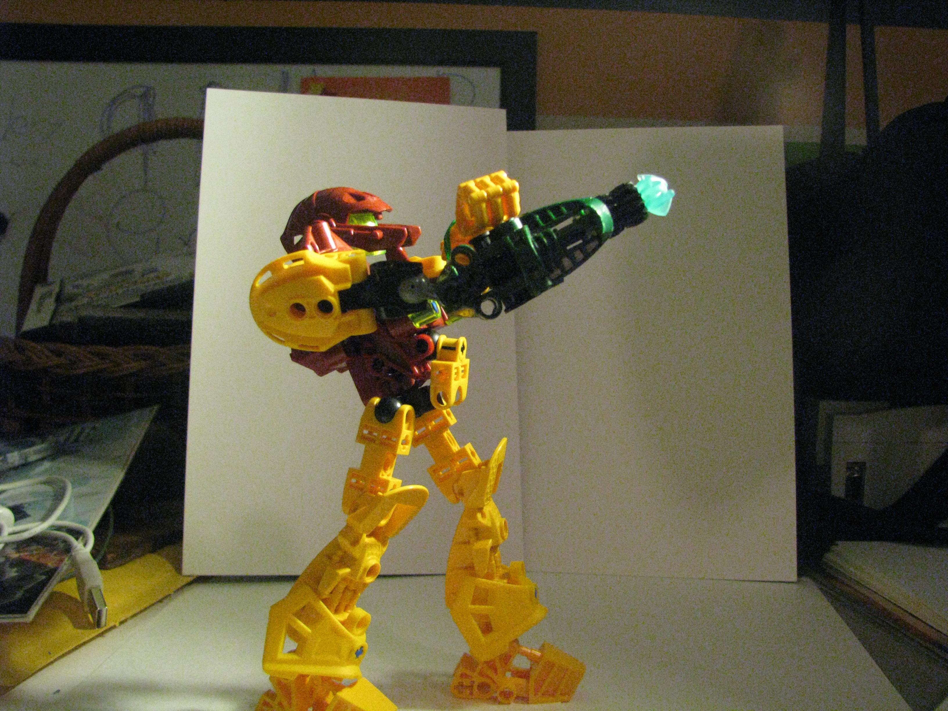 [MOC] Coup de Coeur : Samus Aran Lego_samus_aiming_high