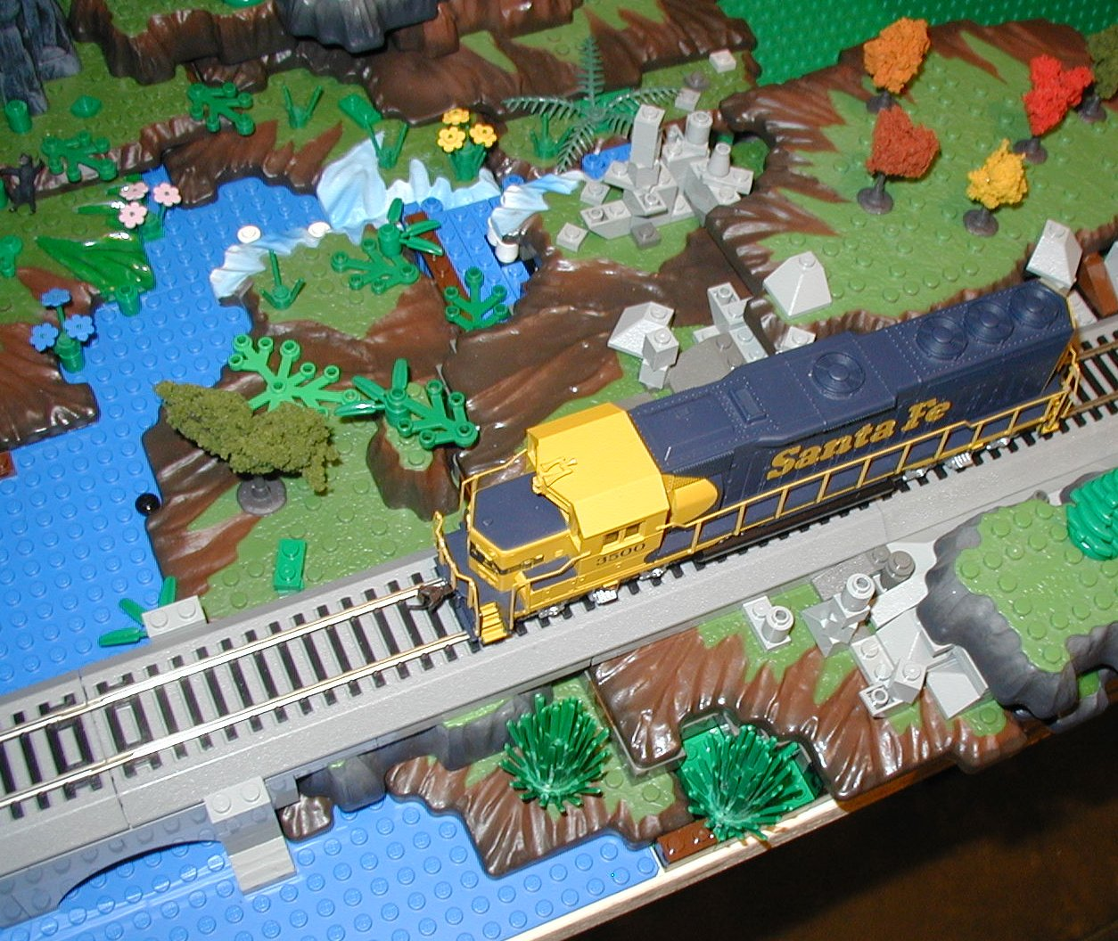 2007-01-04-thr-lego-mega-ho-trains2.jpg