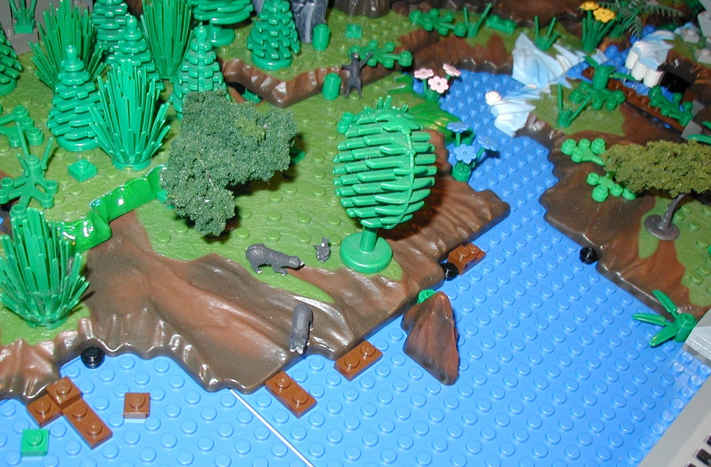 2007-01-04-thr-lego-mega-ho-trains3.jpg