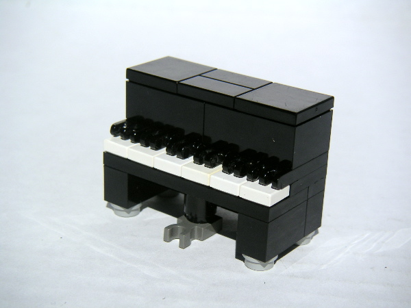 upright.piano.1.jpg