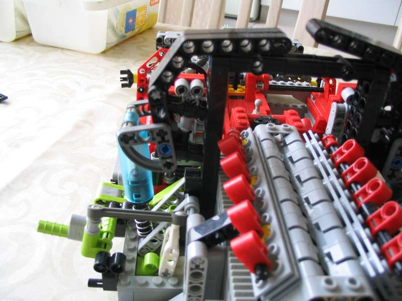 lego_supercarchassis_023.jpg