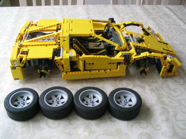yellowsupercar_009.jpg