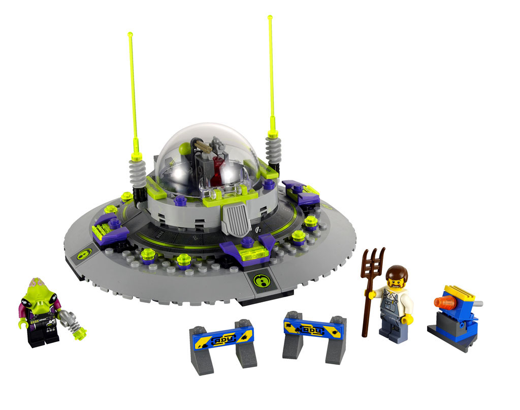 7052_lego_ufo_abduction.jpg