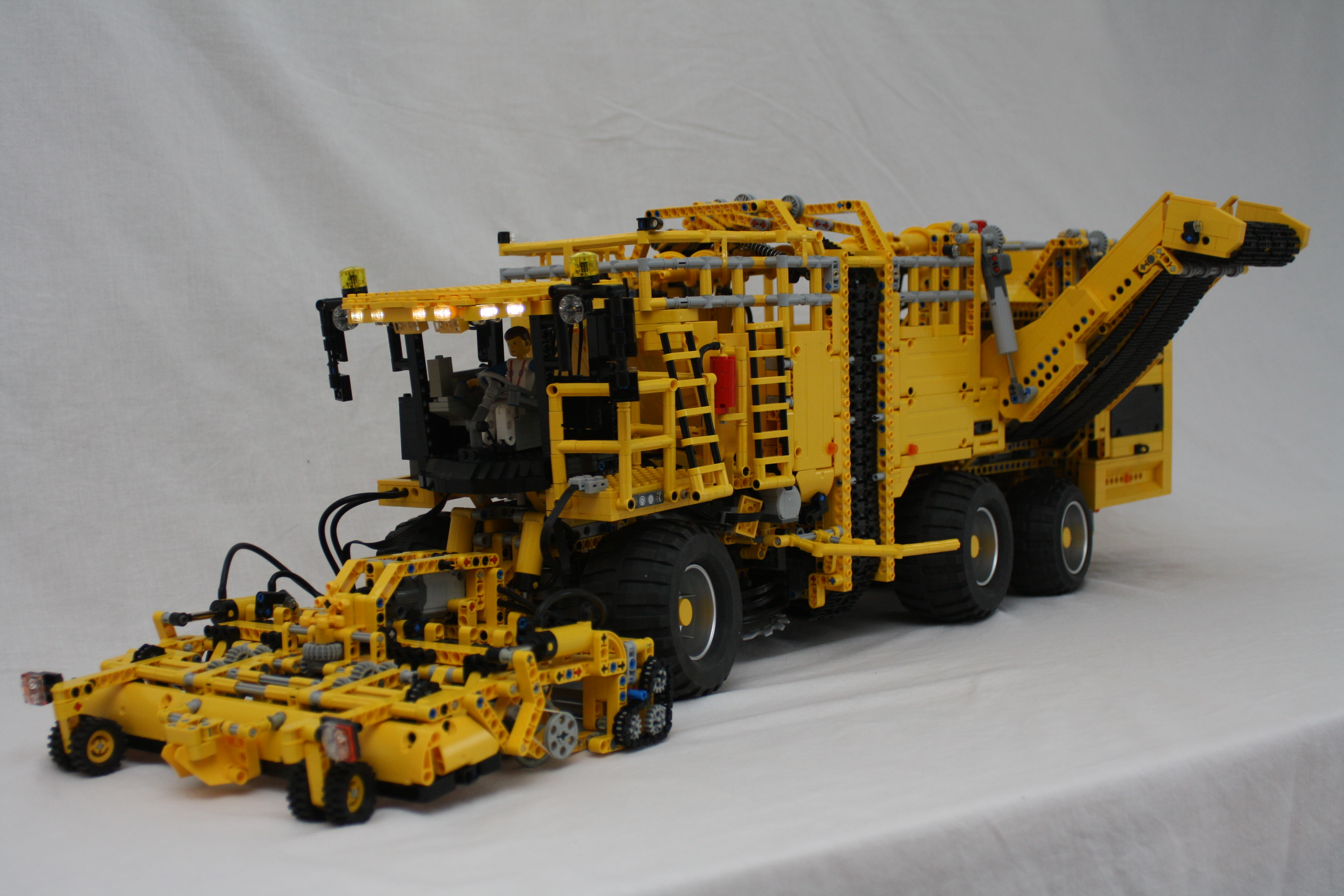 ... sugarbeet harvester, the Lego Technic Ropa euroTiger 8V-4 XL
