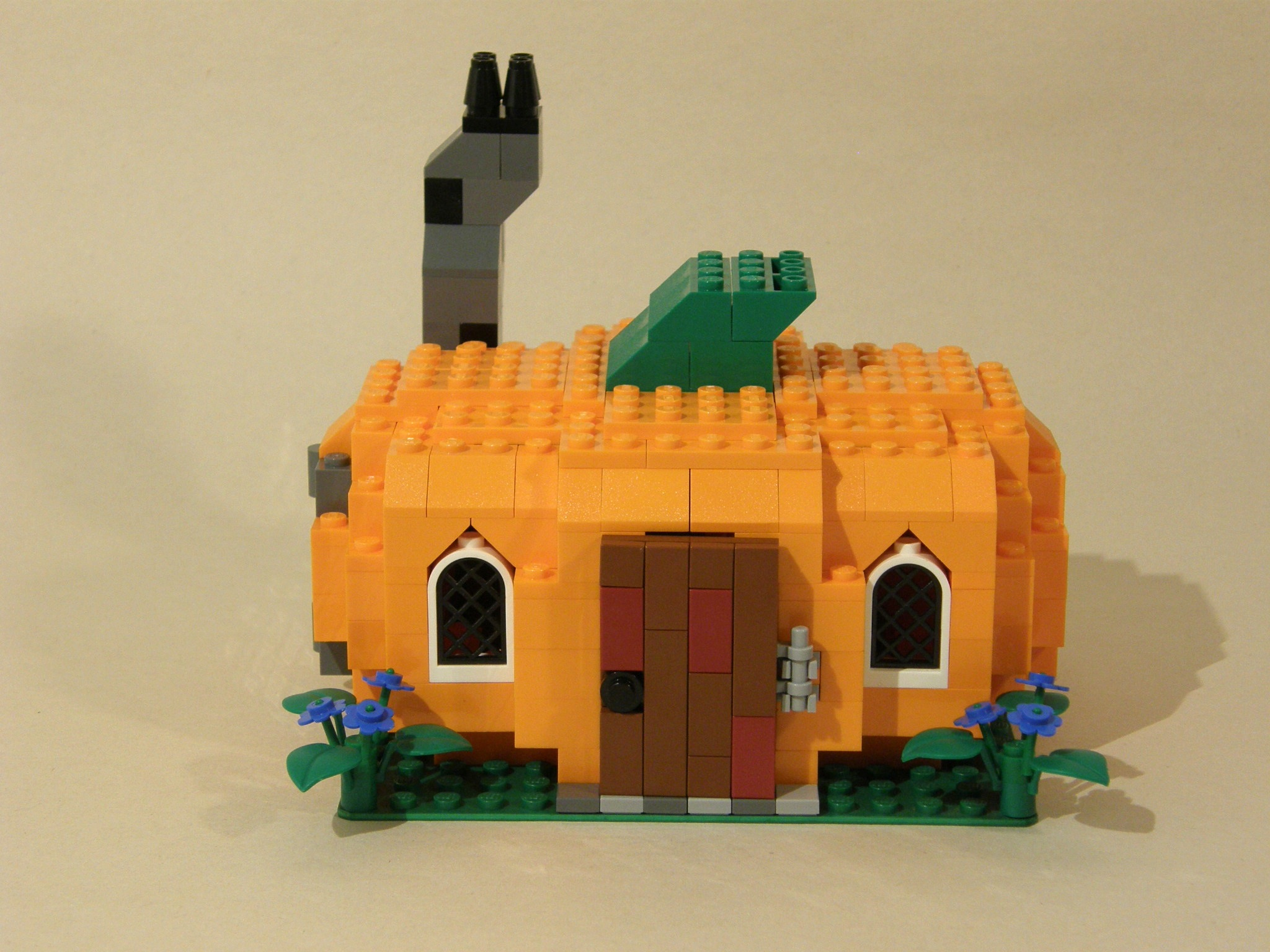 pumpkin_cottage_4.jpg