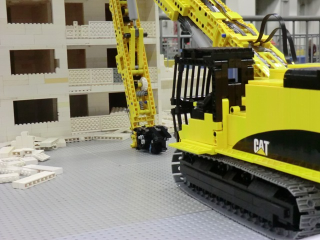 LEGO Caterpillar 365C ultra high demolition excavator