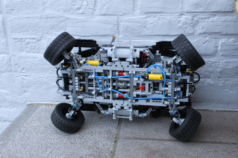 jeep_hurricane_lego_technic022.jpg