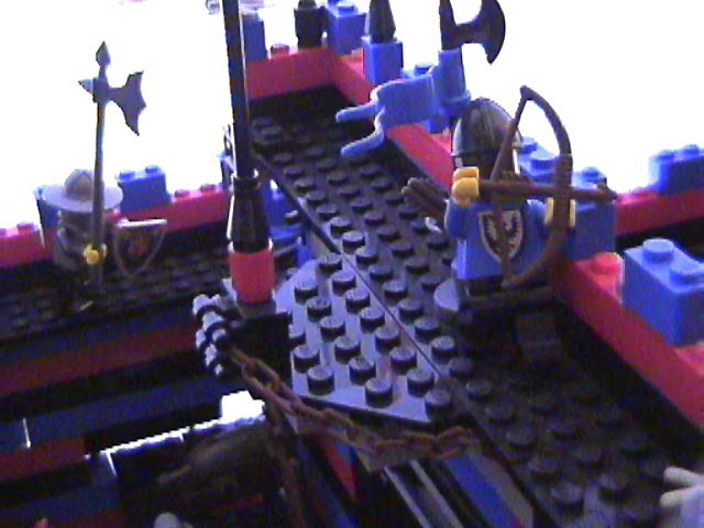 lego_castle_battle_diorama_mar19_2006_35.jpg
