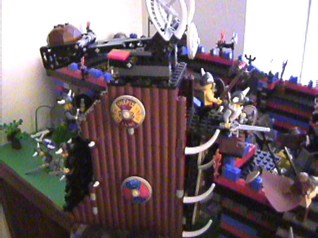 lego_castle_battle_diorama_mar19_2006_41.jpg