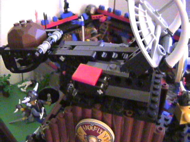 lego_castle_battle_diorama_mar19_2006_43.jpg