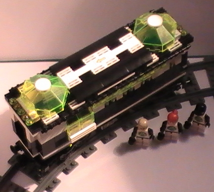 cult_blacktron_railway_carriage_c.jpg