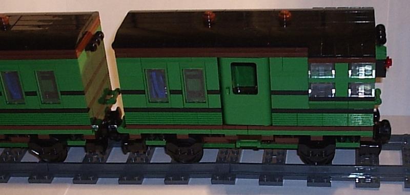 green_coach_05.jpg