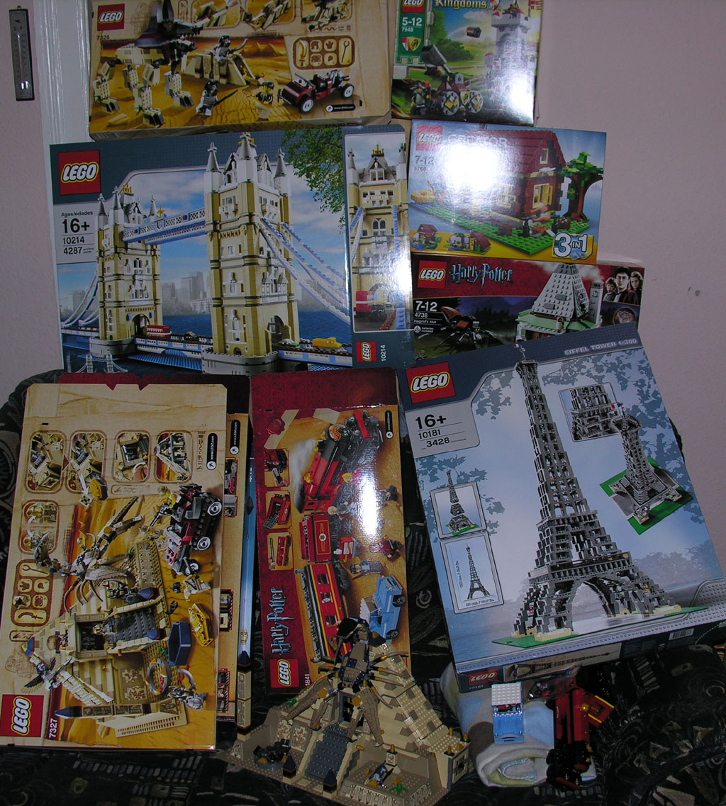022_lego_boxes_all_over_the_place.jpg
