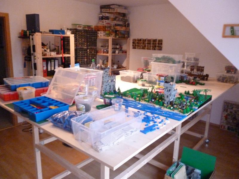 geeigneter tisch f r dauerhafte lego anlage lego bei. Black Bedroom Furniture Sets. Home Design Ideas