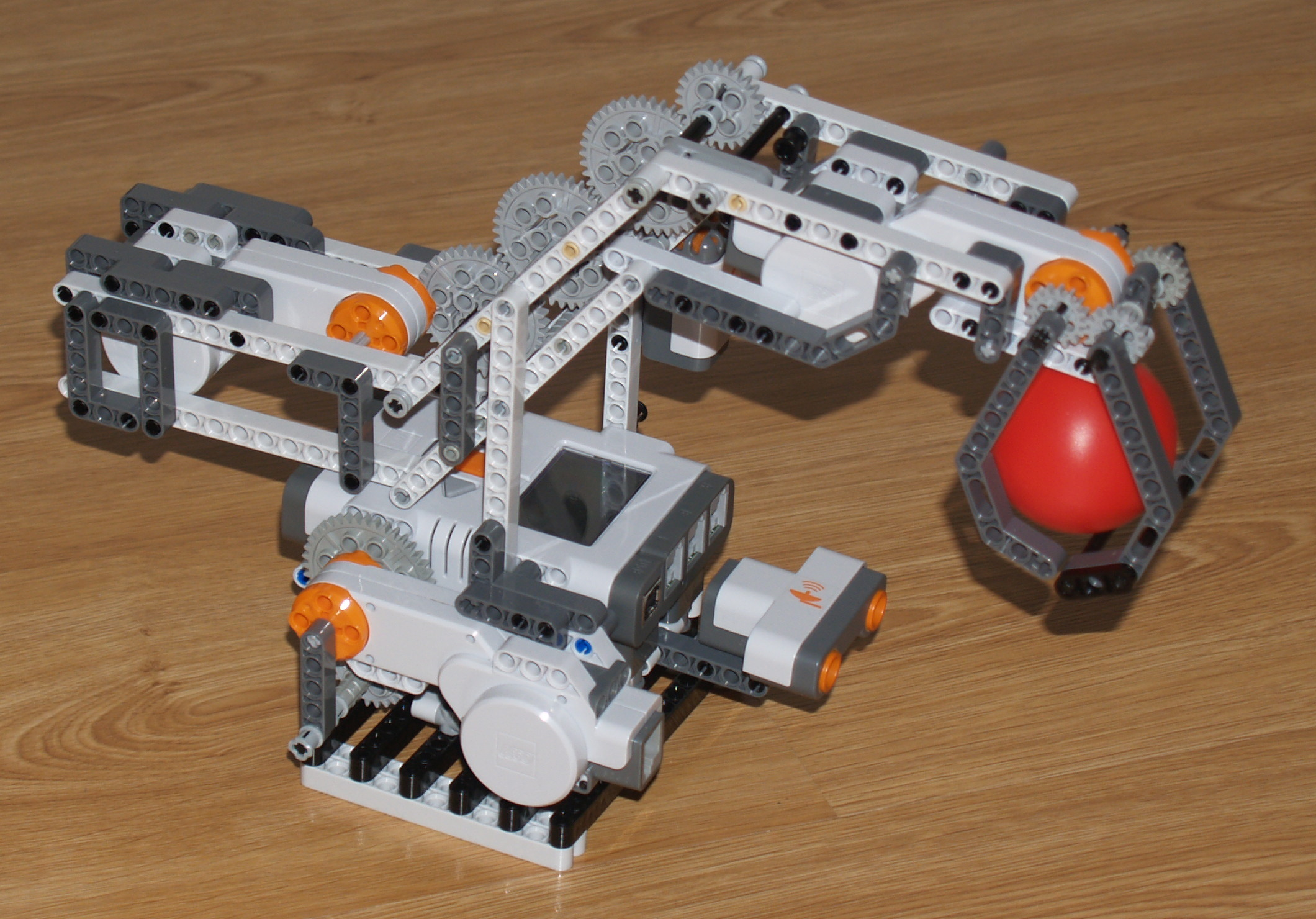 how to build a small lego robot