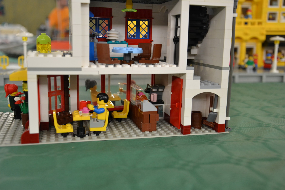 Street Cafe 2 0 A Lego 174 Creation By Lego Amaryl From