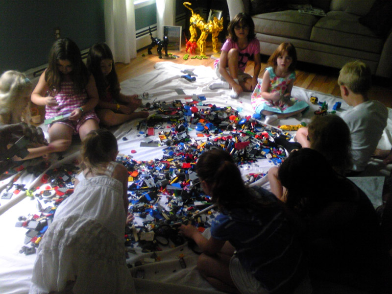 1omy-lego-party-lori-b.jpg