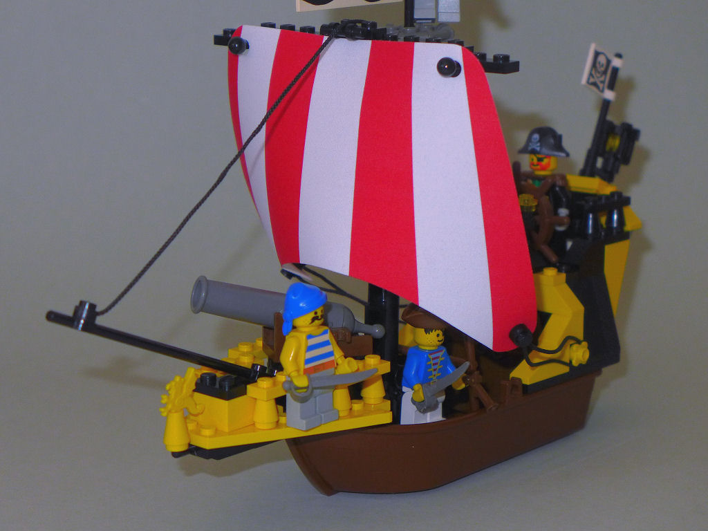dragon-of-the-black-seas-09.jpg
