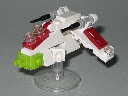 wie man das offizielle lego mini republic gunship set 4490 etwas aufwerten kann star wars. Black Bedroom Furniture Sets. Home Design Ideas