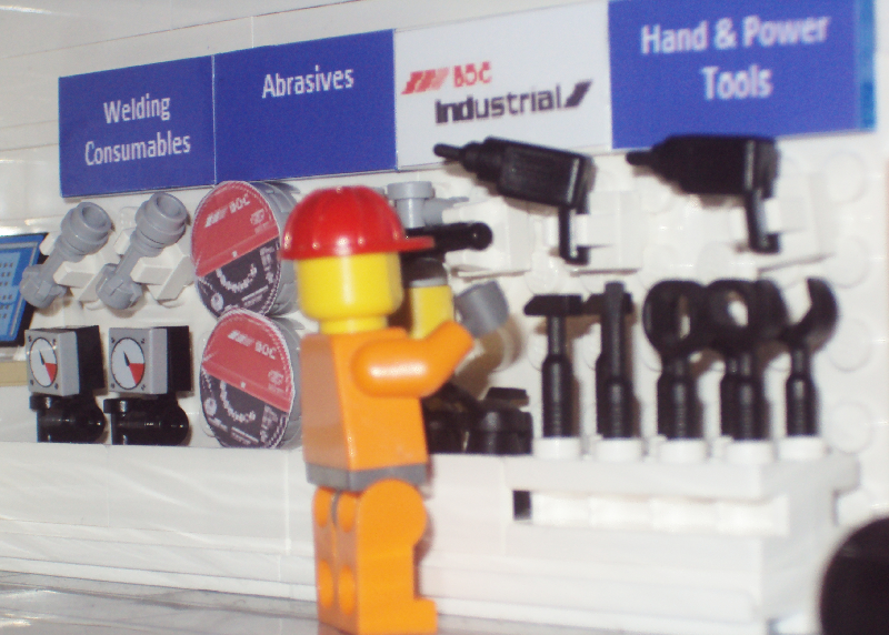 interior_boc_tradequip_with_minifig.png