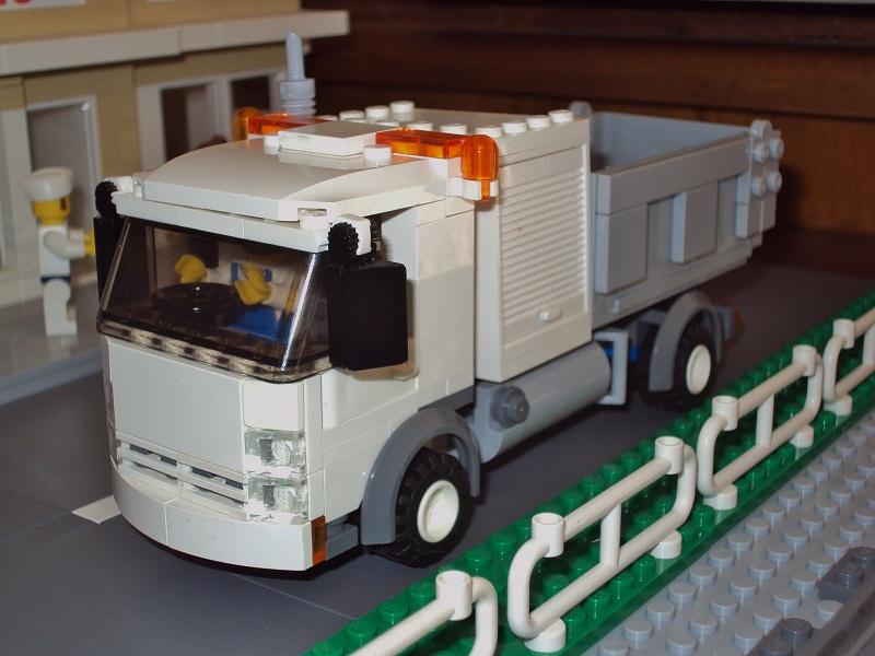 0_council_truck_62.jpg