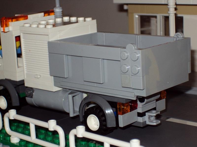 0_council_truck_68.jpg