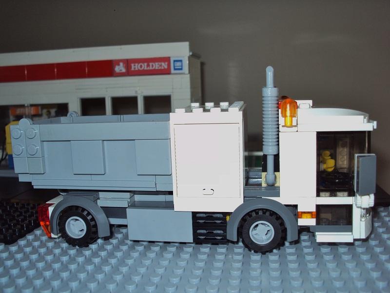 0_council_truck_82.jpg