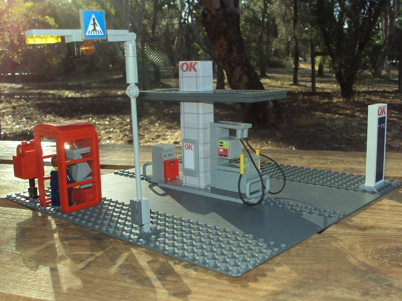 cool_ok_tankstation_with_post_box_and_pay_phone_99.jpg