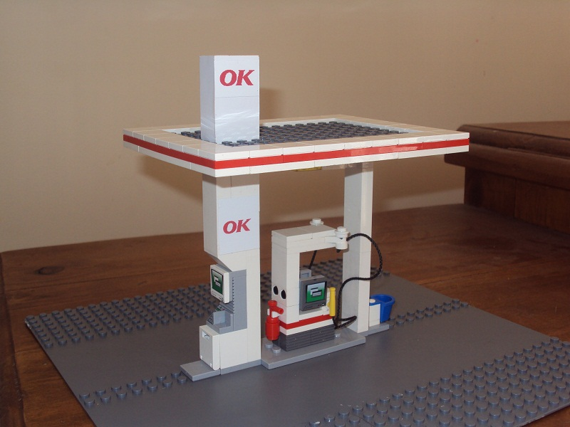 lego_city_automated_service_station_97.jpg