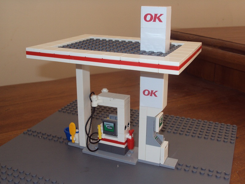lego_city_automated_service_station_98.jpg
