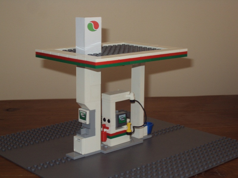 lego_city_automated_service_station_99.jpg