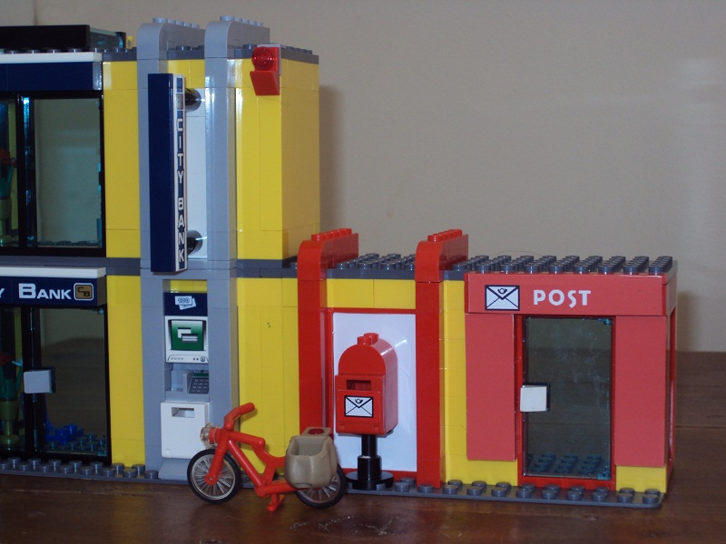 lego_city_style_post_office_94.jpg