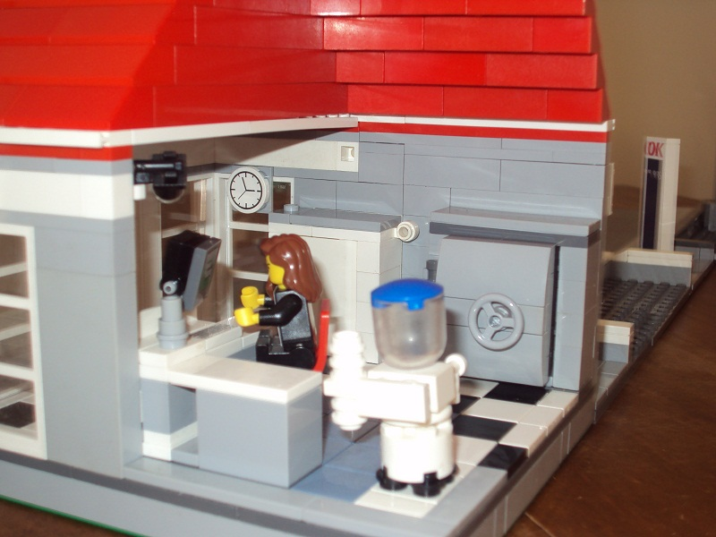 lego_danish_bank_79.jpg