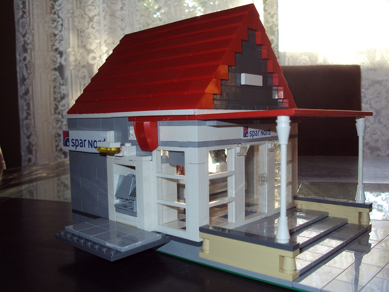 lego_danish_bank_82.jpg