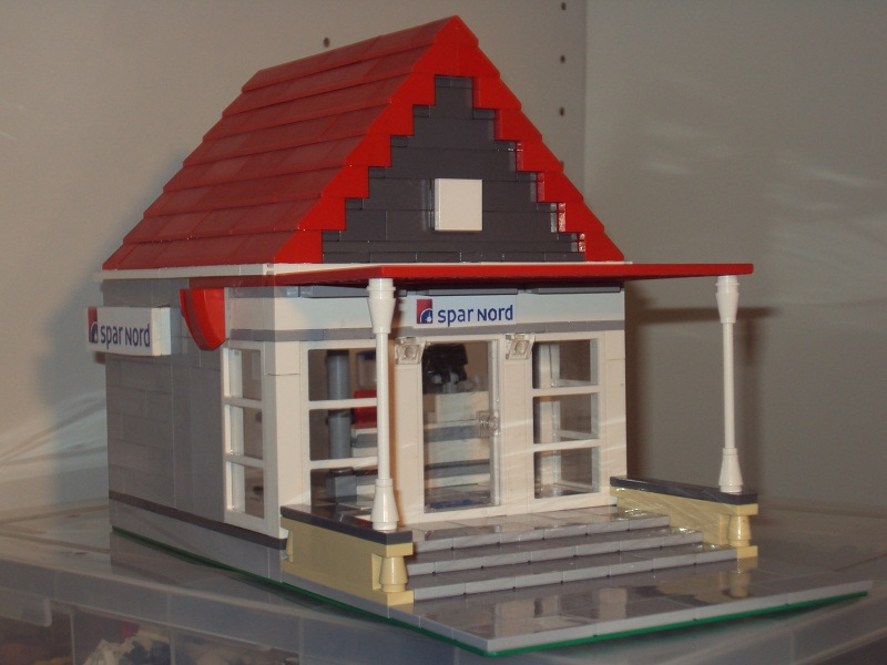 lego_danish_bank_84.jpg