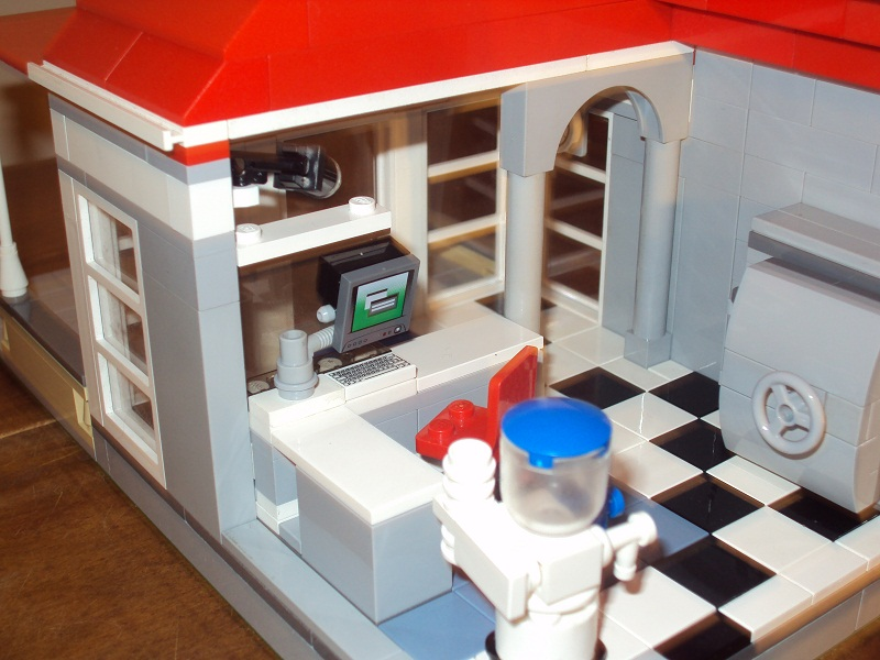 lego_danish_bank_86.jpg