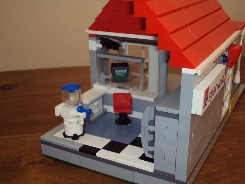 lego_danish_bank_91.jpg