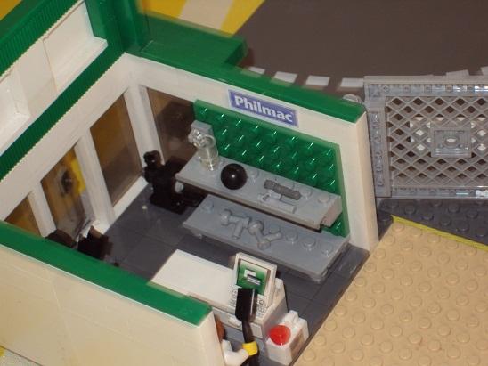 MOC - Landmark store 0000_1_landmark_store_reborn_99
